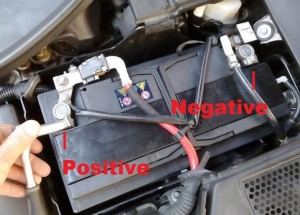 How to replace battery in Volvo S60 V60 XC60 S80 V70 XC70