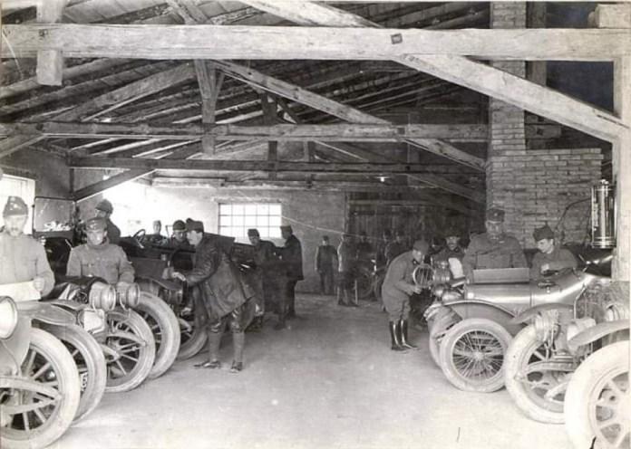 Які кабріолети їздили на Волині століття тому