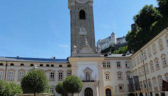 Besuch auf dem Friedhof und in den Katakomben Erzabtei Stift St.Peter