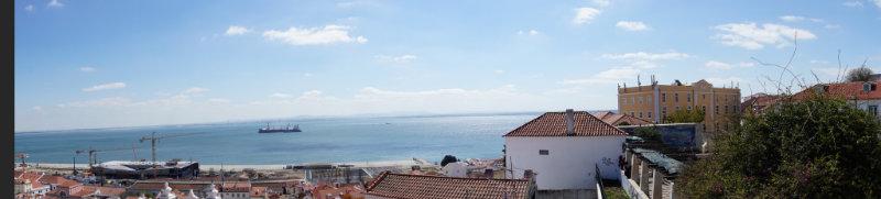 Lissabon - Panoramablik über den Tejo