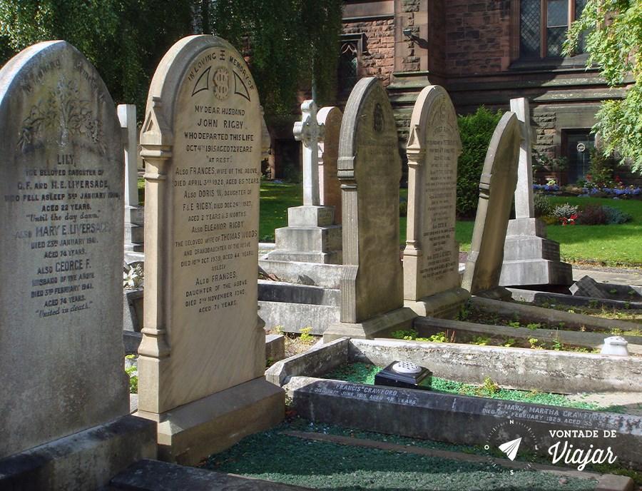 Lápide no cemitério de Liverpool não foi inspiração direta para Paul, mas é possível que a escolha do nome Eleanor Rigby tenha soado natural por já tê-lo visto antes