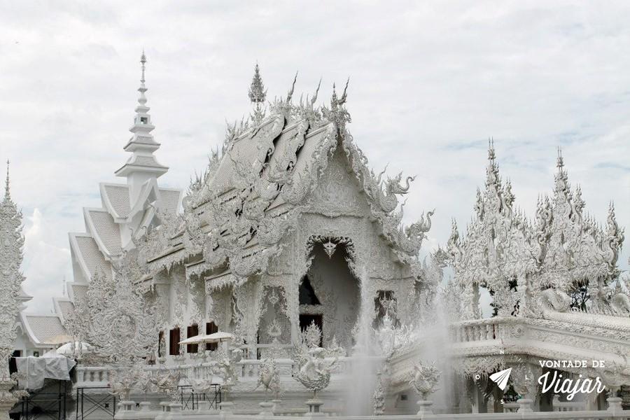 Templo Branco na Tailandia - Detalhes da arquitetura Lanna