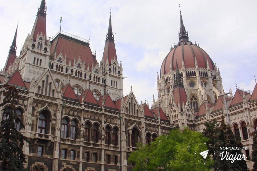 budapeste-parlamento-hungaro
