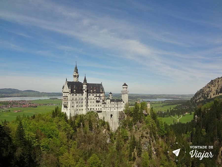 castelo-de-neuschwanstein-visto-da-ponte-marienbrucke