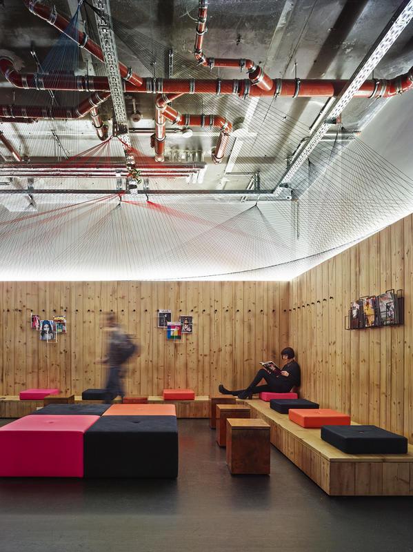 Onde ficar em Berlim - Generator Hostel Lounge