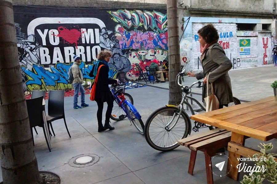 montevideu-alternativo-grafitti-e-bicicletas