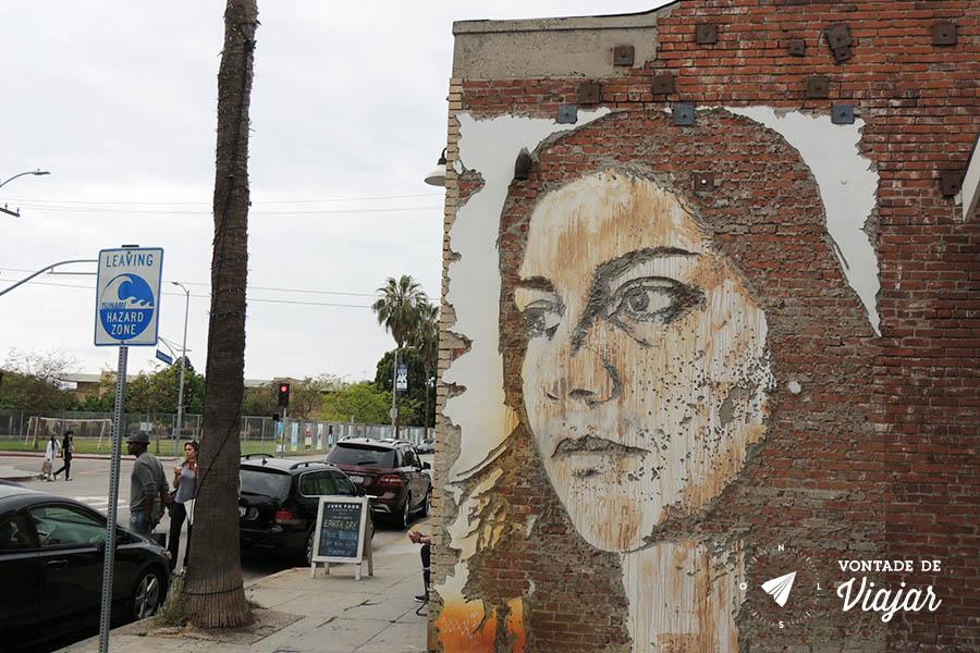 Los Angeles street art - Mural Vhils em Venice Beach