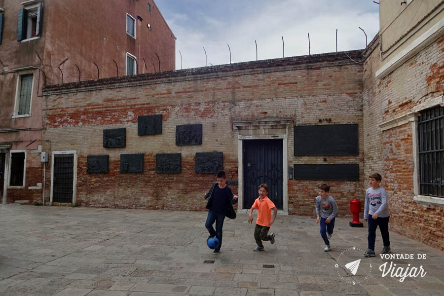 Ghetto Nuovo em Veneza - Bairro judaico em Cannaregio