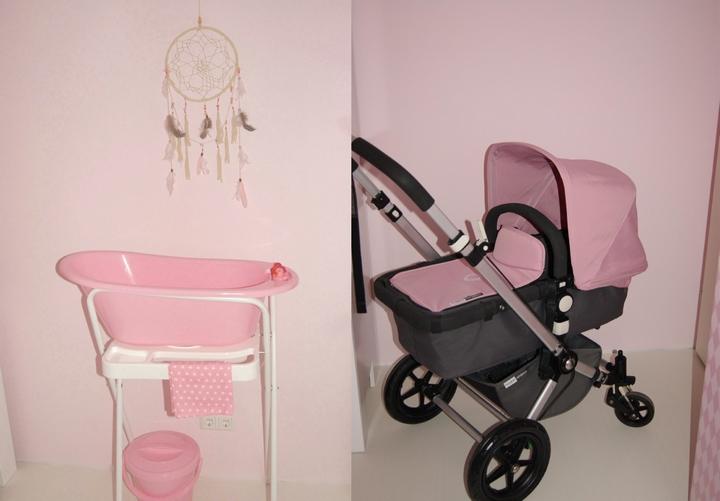 roze kinderwagen
