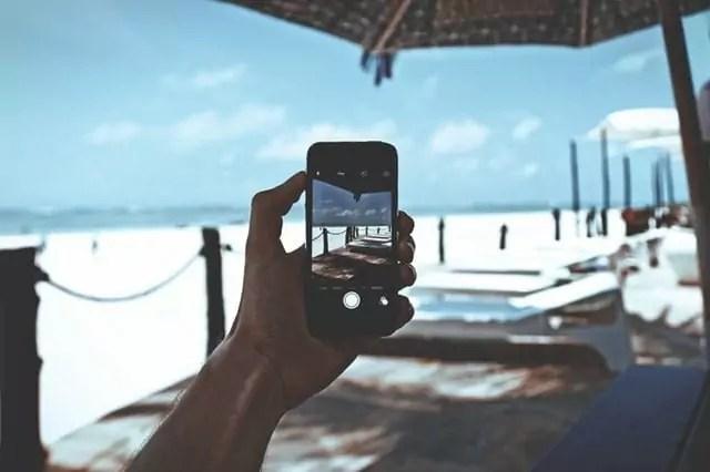Telefoon strand zwembroekzzp'er