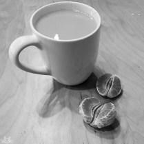 Nachmittagsstärkung mit Tee und Clementinen