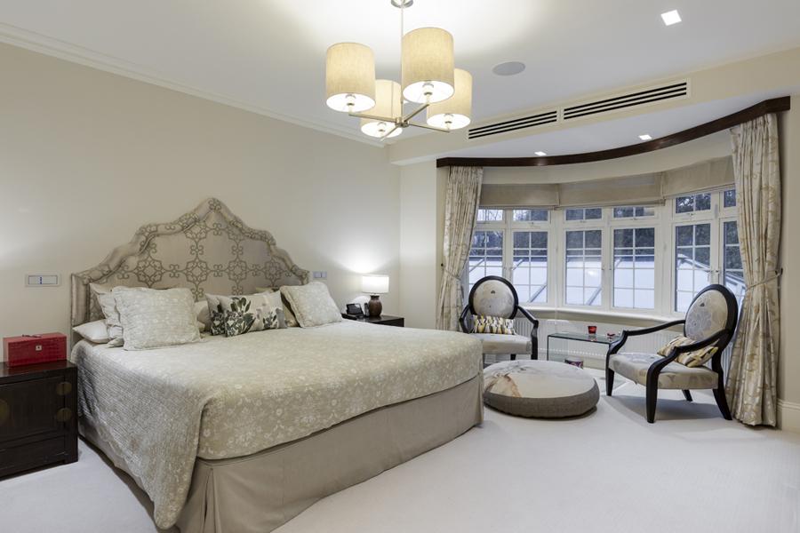 0208-beige-master-bedroom-bay-window-nw8-st-johns-wood-vorbild-architecture-16
