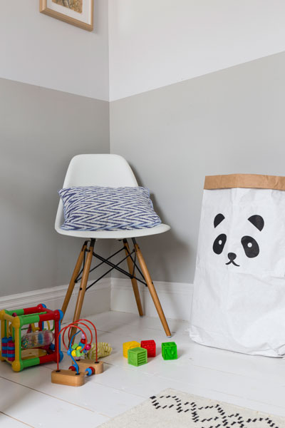 0401-nursery-children-room-toy-storage-chair-kilburn-vorbild-architecture