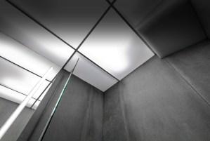 concrete-tiles-plexi-glass-ceiling-shower-vorbild-architecture
