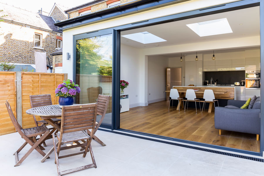 0558 Kitchen extension with outside patio and sliding doors