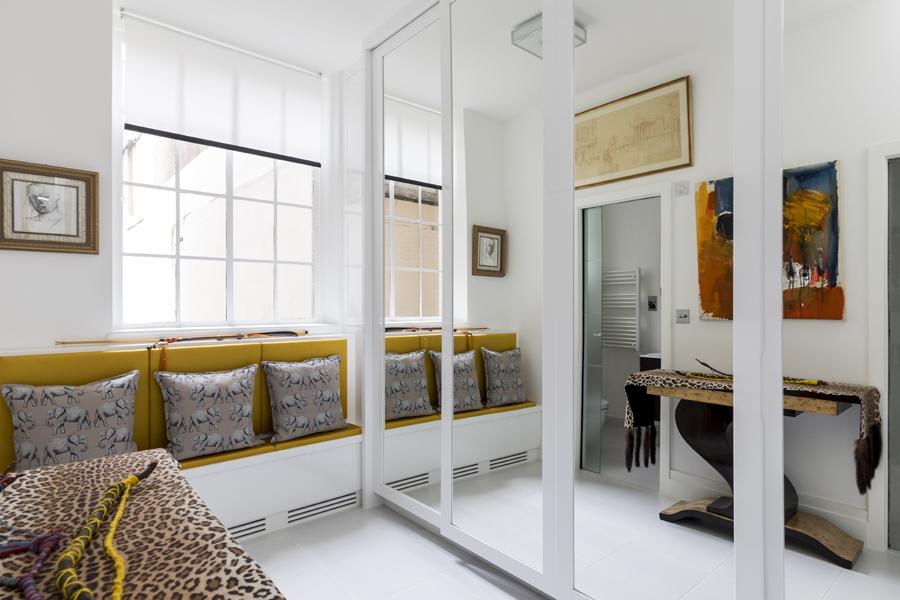 0587 dressing room mirrored wardrobe white high gloss finish and window seat