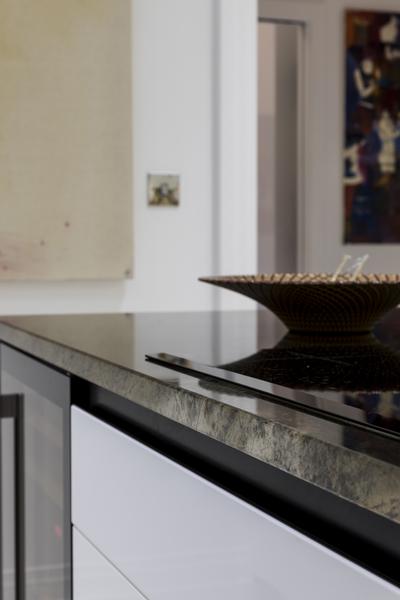 0587 kitchen Luna Brazil marble worktop and wine fridge