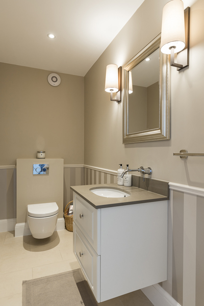 600-beige-brown-toilet-cloakroom-vorbild-architecture-crickelwood-20