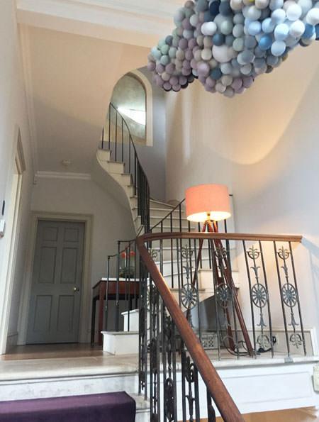 dulux-trends-2017-colours-denim-drift-london-townhouse-event-vorbild-architecture-1