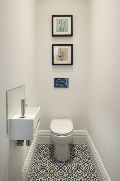 0776 white guest WC with blue grey pattern floor tiles