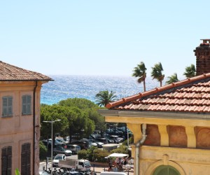 02510 Duplex top level apartment in central Menton with amazing sea view, South of France
