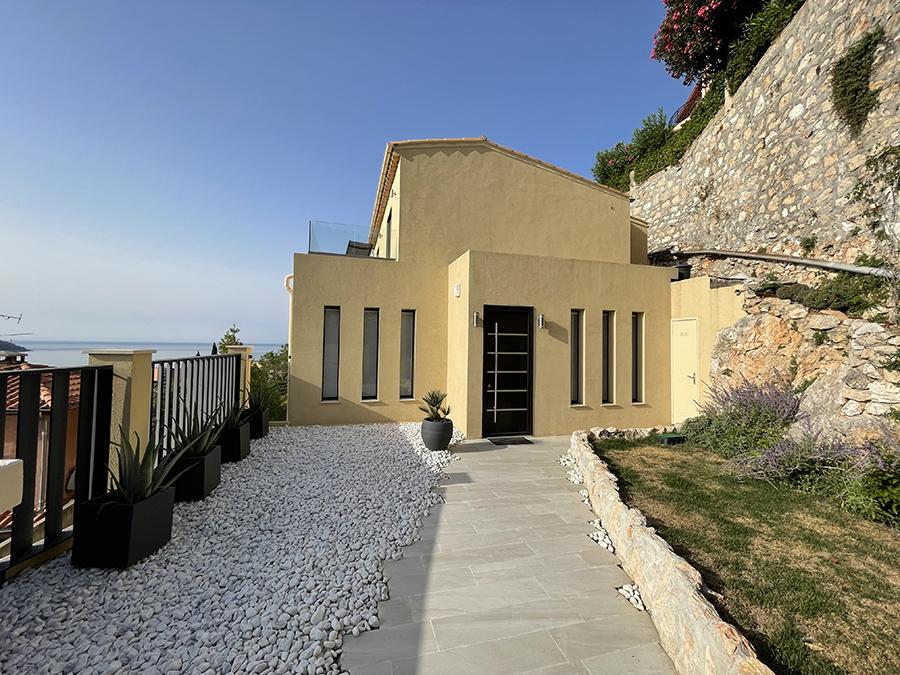 02512-Villa-on-hillside-overlooking-Villefrance-sur-mer-France-vorbild-architecture-017