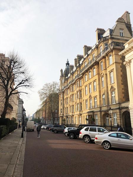 0941-Magnificent-apartment-overlooking-Baker-Street-vorbild-architecture-004-1