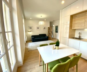 02537 Menton Apartment, South of France