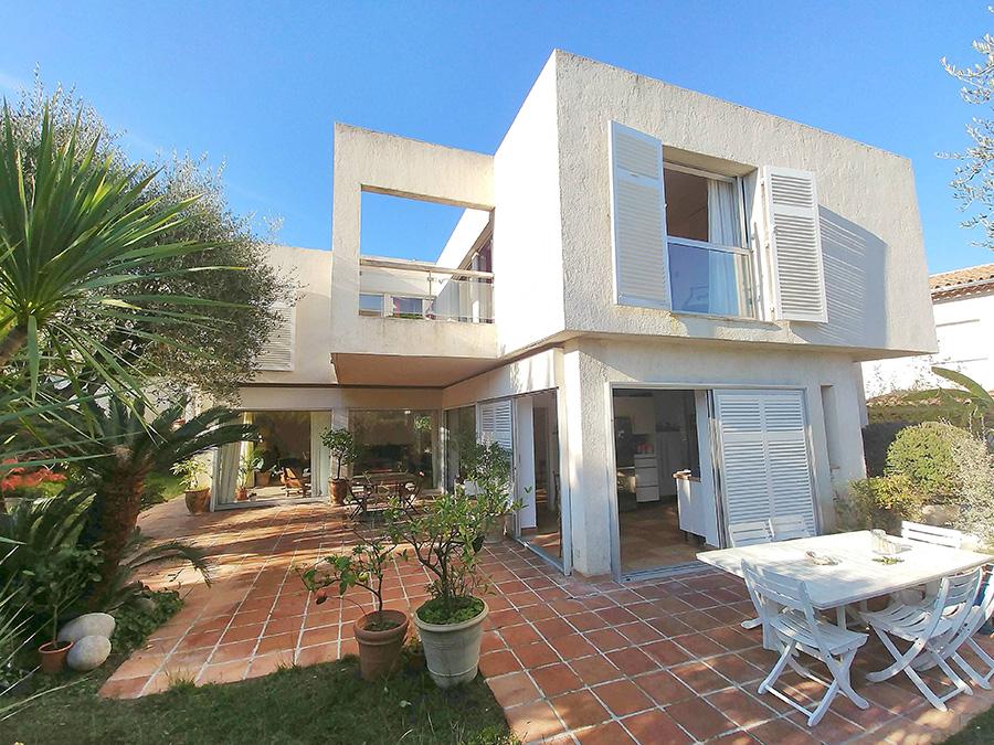 02552-contemporary-maison-darchitecte-house-refurbishment-in-Nice-vorbild-architecture-001