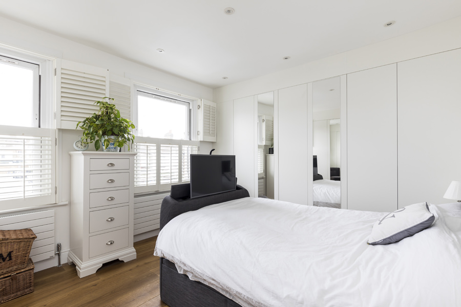 0605 - Complete refurbishment of a House in Hammersmith vorbild-architecture-master-bedroom-7