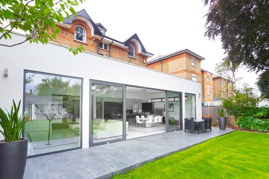 0431 - Rénovation et grande extension contemporaine à Teddington -vorbild-architecture-2