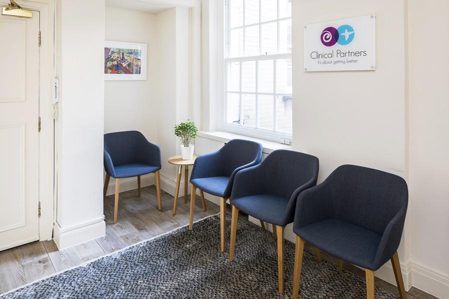 0814 Rénovation d'une clinique de bien-être et de bureaux