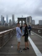 Skyer over Brooklyn Bridge