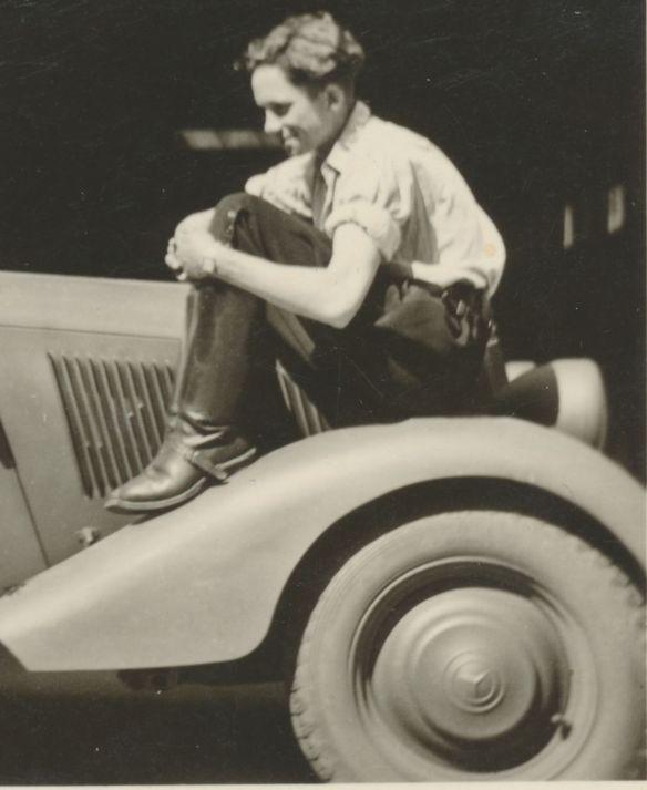Mercedes_170V_datiert_1940_Vorderwagen