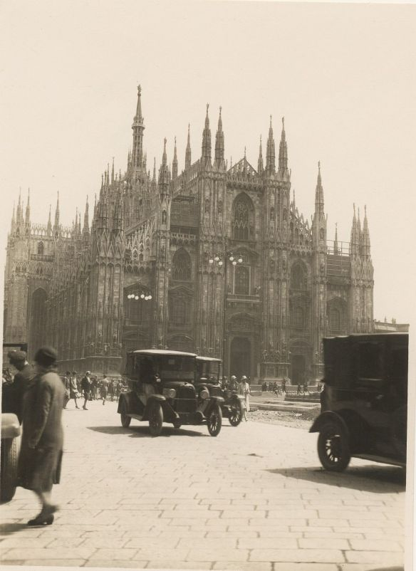 fiat_505_taxis_mailand_dom_galerie