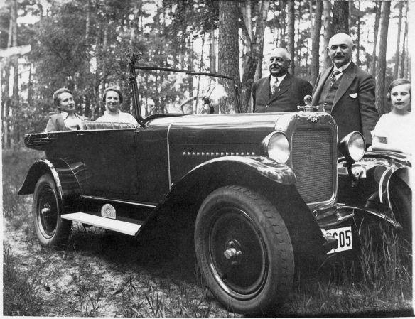 Opel_4-16_PS_1926-Sept_27_Sommer_1928_Galerie