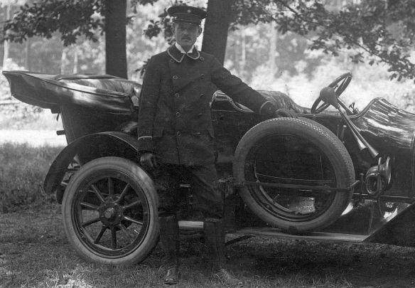 Benz_8-20_PS_Harth_Pfingsten_1914_2_Fahrer