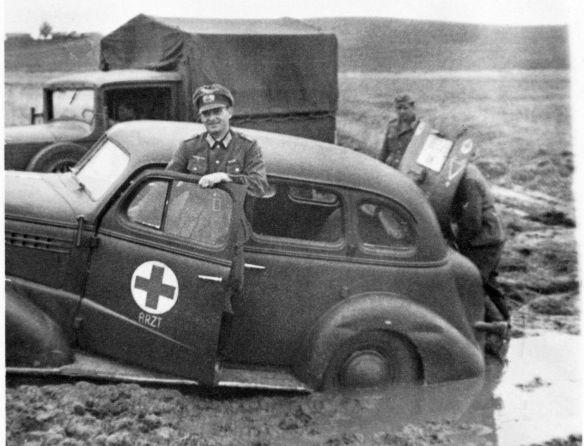 Chevrolet_1938_Fahrt_zum_Rgmt-Gefechtsstand_09-1941_1_Galerie