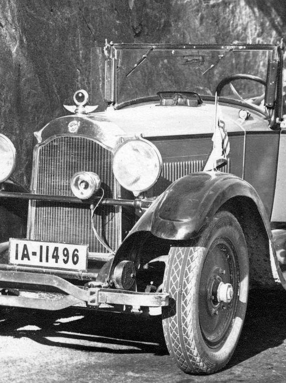 Studebaker_1925_im_Tessin_Frontpartie