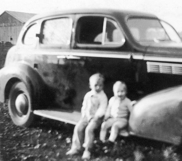 Buick_Eight_1938_Heini_und-Albert_Seitenpartie