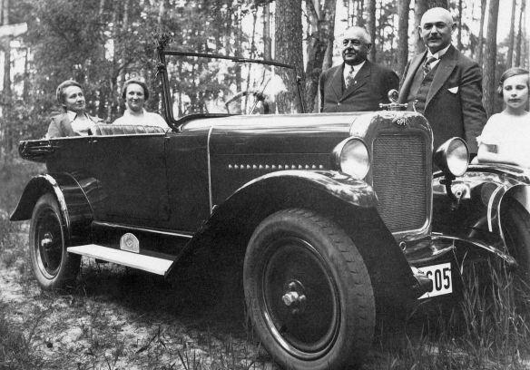Opel_4-16_PS_1926-27_Sommer_1928_Galerie