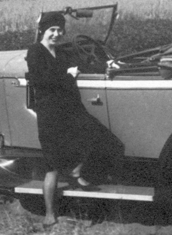 Pontiac_1928_roadster_Beifahrerin