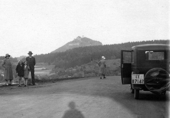 Hanomag_3-16_oder_4-20_PS_Nürburg_10-1931_Galerie