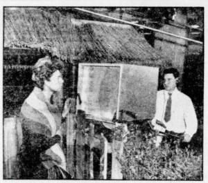 Foto bij artikel 'Mist maken vat niet mee voor TV' in De Telegraaf van 27-06-1956