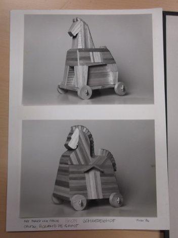 Het paard van Troje (IKON, 1981). Decorontwerp Roland de Groot. Collectie Martien van den Dijssel