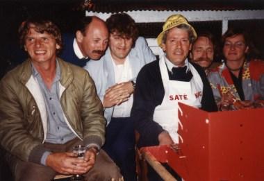 Foto van crew Sterrenshow (VARA 1984-1986), decor: Hub Berkers. Collectie Hub Berkers / NIBG