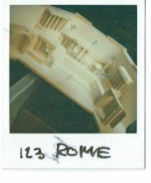 Maquette voor 1-2-3 show: Het Romeinse Rijk (KRO, 27-11-1984), decor Roland de Groot. Collectie Roland de Groot