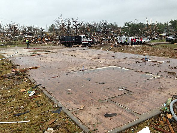 Granbury tornado destruction may 2014
