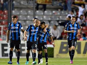 """Ronaldinho y Querétaro derrotaron a los """"Zorros"""""""