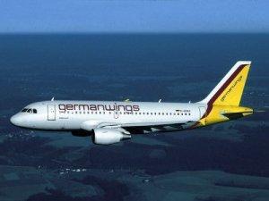 Se estrella avión en Francia con 150 pasajeros